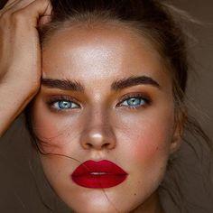 possibly the most beautiful eyes in the world: Fotos Beauty Make-up, Beauty Secrets, Beauty Hacks, Hair Beauty, Beauty Skin, Catwalk Makeup, Eye Makeup, Hair Makeup, Best Red Lipstick