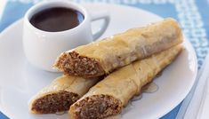 The Lebanese Recipes Kitchen (The home of delicious Lebanese Recipes and Middle Eastern food recipes) invites you to try Baklava with honey syrup Recipe. Enjoy Middle eastern desserts and learn how to make Baklava with honey syrup. Greek Sweets, Greek Desserts, Greek Recipes, Arabic Recipes, Honey Recipes, Middle Eastern Baklava Recipe, Middle Eastern Desserts, Honey Dessert, Honey Syrup