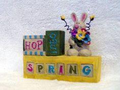 Blossom-Bucket-Hop-into-Spring-Bunny-Block-Sign-Barbara-Lloyd-folk-taide-Decor-UUSI