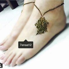My favorite leg henna desighn