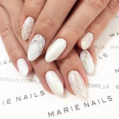 Either you have special occasion to go or you just want to feel joyful every time you look at your hands this nail art from MARIE NAILS LA location would be just perfect! Give us a call to make an appointment: 3RD +1(310)5505925MELROSE +1(323)7828080K-Town +1(213)3883227 #marienails #gel #gelnails #gelmanicure #nails #nailart #nailstagram #naildesign #nailaddict #nailartist #instanails #calgel #calgelnails #japanesenailart #japanesenail #weddingnails #auroranaila #swarovakinails #japane...