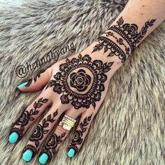 Henna Design.Mehendi Mandala Art #MehendiMandalaArt #MehendiMandala @MehendiMandala                                                                                                                                                      More