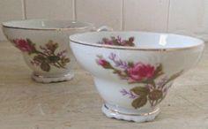 Deux tasses en porcelaine antique. Japon