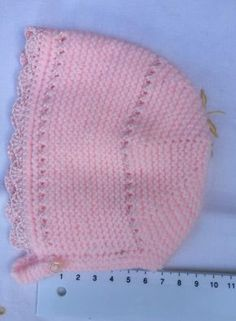 GORRITO DE PRIMERA POSTURA  Material Lana especial bebé marca Katia color rosa  (color 84906, tintadas 01311) Hilo de bebé color ros... Baby Knitting Patterns, Baby Hats Knitting, Baby Patterns, Knitted Hats, Crochet Baby Clothes, Heirloom Sewing, Baby Cardigan, Knit Crochet, Etsy
