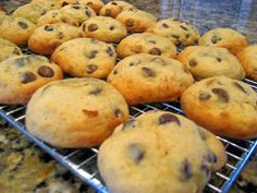 ALL THINGS DELICIOUS: Banana Chocolate Chip Cookies