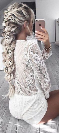 This braid is GORGEOUS! #hairinspo #braidbriggade #braid #weekendhair #blonde #hairextensions