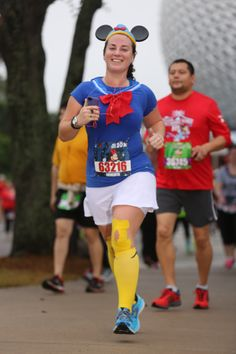 Meredith looking great as Donald Duck at the Disney 10K!