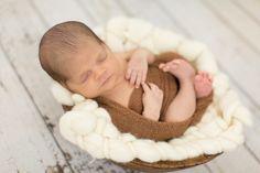 Fotografia de Recém-Nascido. #ensaio newborn #fotografiaderecemnascido #thaisthomazzoni #estudiodefotografia #fotodenewborn #newborn #babyboy