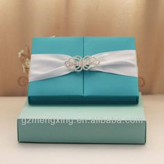 T300--- Tiffany Blue silk wedding invitation box