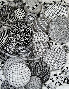 I've heard about zentangle and have seen a few drawings but have never tried it myself. Looks awesome though #Zentangle Designs