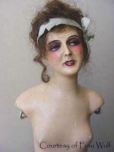 Flapper mannequin
