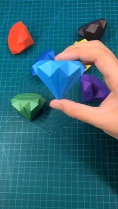 Cool Paper Crafts, Paper Crafts Origami, Diy Crafts Hacks, Diy Crafts For Gifts, Creative Crafts, Diy Paper, Paper Quilling, Instruções Origami, Oragami