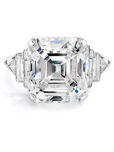 Elizabeth Taylor: Oversize Diamond Ring  Elizabeth Taylor's ring from husband number six, Richard Burton, is still one of the most dazzling rocks ever seen.