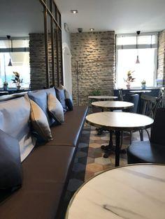Maison Constanti - Boulevard Des Glaces - Salon de Thé - Pau - Un café avec Clémentine Conference Room, Table, Furniture, Home Decor, Ice Cream Sandwiches, Shop Local, Drawing Rooms, Homemade Home Decor, Meeting Rooms