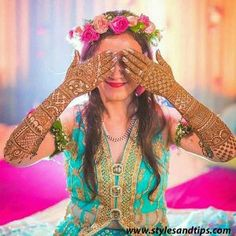 Having trouble to find the best mehendi designer? Visit Eventswedo and find the best mehendi designers in town for your special day. Arabic Bridal Mehndi Designs, Mehndi Designs For Girls, Mehndi Design Images, Simple Mehndi Designs, Henna Designs, Bridal Poses, Bridal Photoshoot, Photoshoot Ideas, Indian Wedding Photography Poses