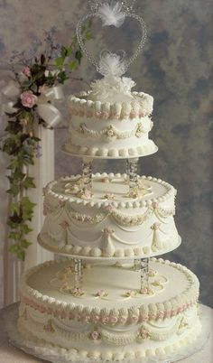 Design your perfect wedding cake and out bakers will make exactly what you need. Italian Wedding Cakes, Elegant Wedding Cakes, Beautiful Wedding Cakes, Gorgeous Cakes, Wedding Cake Designs, Pretty Cakes, Traditional Wedding Cakes, Cake Trends, Wedding Topper