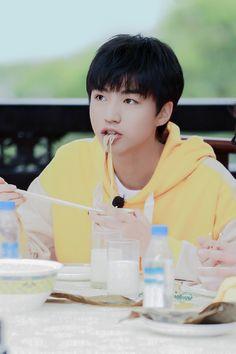 Jackson Yi, Chinese Zodiac Signs, Chinese Boy, Ulzzang Boy, My Prince, My Boyfriend, My World, Boy Bands, My Idol