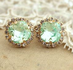 Clear Mint green seafoam Crystal stud Petite vintage earring - 1 micron Thick plated gold post earrings real swarovski rhinestones- W A N T Bling Bling, Jewelry Box, Jewelry Accessories, Fashion Accessories, Jewlery, Gold Jewelry, Wedding Jewelry, Jewelry Holder, Bridesmaid Jewelry