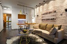 Интерьер в стиле лофт в маленькой квартире - амбициозный и интересный проект. С этим заданием справилась Елена Фатеева - известный дизайнер.