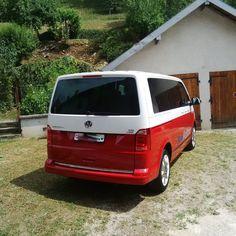 J'ai vu un sur la route! Vw Camper, Campers, Transporteur Volkswagen, Vw Transporter Van, Vans Vw, Vw T5 Campervan, Caravan, Aesthetics, Life