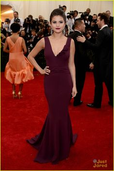 Selena Gomez: Burgundy Beautiful at MET Gala 2014 | selena gomez 2014 met gala 00 - Photo