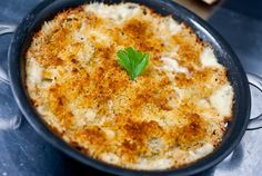 Slices of green tomatoes in a cheesy mornay sauce bubbling up from under a crust of crisp panko. Milk Recipes, Canning Recipes, Vegetarian Recipes, Tomato Gratin Recipe, Green Tomato Recipes, Creamed Onions, Vegetable Sides, Vegetable Recipes, Green Tomatoes