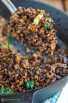 Mujadara Recipe The Mediterranean Dish. This simple lentils and rice recipe garnished with crispy onions is a signature Middle Eastern Dish that makes for a healthy flavor-packed feast. Check out the easy step-by-step photo instructi Middle Eastern Dishes, Middle Eastern Recipes, Middle Eastern Vegetarian Recipes, Veggie Recipes, Indian Food Recipes, Healthy Recipes, Easy Recipes, Easy Meals, Arabic Recipes
