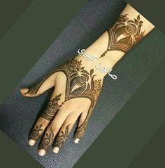 Henna Khafif Mehndi Design, Floral Henna Designs, Henna Art Designs, Mehndi Design Pictures, New Bridal Mehndi Designs, Mehndi Designs For Hands, Modern Henna Designs, Latest Henna Designs, Beginner Henna Designs