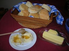 I have tried many of Judy's recipes from her blog...Southern Lady Cooks and always happy with her cookin' like Mom's. Here's Buttermilk Biscuits and more breakfast ideas.