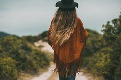 Bohemian style handmade leather poncho #bohoinspiration #bohemian #leather #boho www.mahilacouro.com.br