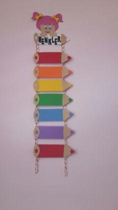 Colors craft for preschoolers Preschool Color Crafts, Kids Crafts, Preschool Classroom, Preschool Activities, Diy And Crafts, Arts And Crafts, Paper Crafts, School Board Decoration, School Decorations