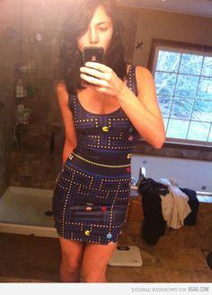 Pac man dress. Don't we love geek girls.