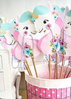 Niedliche Deko für den Kindergeburtstag selber basteln l Einhorn Liebe l DIY Printable Stick Unicorns for a Unicorn Party!
