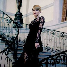 I got Taylor Swift! Like Taylor Swift, you have an affinity for red lipstick, consider yourself a cat lady, and have dreams of making it in the Big Apple. YOU'RE A DARN ROCK STAR. Keep shining, girl. Are You More Like Taylor Swift Or Karlie Kloss?