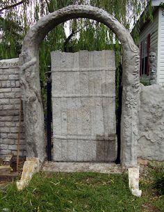 Low Rent Renaissance: papercrete garden wall project