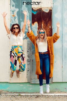 Nectar Sunglasses helps you live Check out our 'Goose' collection in 2 new colors. Cute Friend Pictures, Cute Pictures, Beach Pictures, Bff Goals, Best Friend Goals, Levitation Photography, Exposure Photography, Winter Photography, Abstract Photography