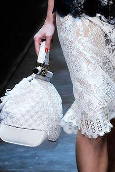 Trazzi - Bolsas em Crochê     Bolsa Dolce e Gabbana Mini Dolce 46a1b398bcd48