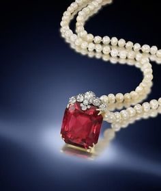 A spinel, pearl and diamond necklace www.thesterlingsi... WOMEN'S JEWELRY http://amzn.to/2ljp5IH