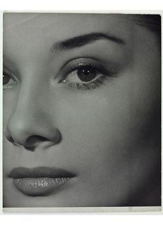 Audrey Hepburn, fotografia de Angus Mcbean,1951