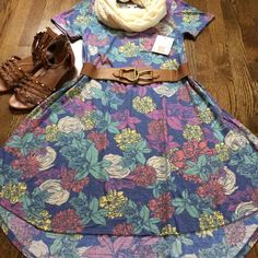 Floral XS Carly LuLaRoe - Mercari: Anyone can buy & sell