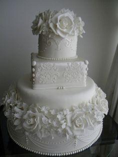 Start your own Wedding Cake Business! http://cakestyle.tv/products/wedding-cake-busines-serie/?ap_id=weddingcake- Elegante pure white roses #WeddingCake