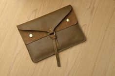 Knot Style Leather  Brown iPad mini Sleeve 081 from cuoiocasa by DaWanda.com