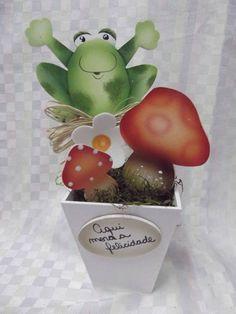 Peça em mdf flor em eva. R$ 17,60