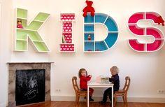 De prijs van de letters begint bij € 250,- voor de letters I, L en de T. Vanwege rondingen hebben de overige letters  een meerprijs. De letterkasten zijn te koop via Kindermeubeltjes.com.