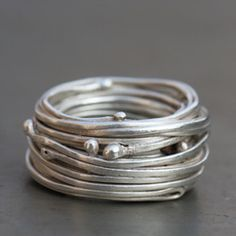 Silver ring nest