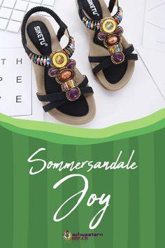 Sommersandale Joy mit dekorativen Perlen für Damen ☀💦  Sommerliche Sandale mit weichem Gel-Fussbett ohne Zehentrenner. Dank dem   elastischen Fersenband sehr angenehm auf der Haut zu tragen. Wie auf Wolken schweben!  Jetzt online bei schwesternuhr.ch bestellen - Ohne Versandkosten! Schweizer Unternehmen.  #schwesternuhrch #schwesternuhr #schwesternschuhe #sandalen #sommersandalen #sommer Sandals, Shoes, Fashion, Beautiful Sandals, Comfortable Sandals, Comfortable Shoes, Hiking Supplies, Levitate, News
