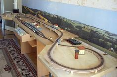 Small Model Train Layouts & Track Plans in N scale - Various projects, designed with SCARM layout software N Scale Train Layout, N Scale Layouts, Model Train Layouts, N Scale Model Trains, Scale Models, Train Ho, Escala Ho, Train Table, Ho Trains