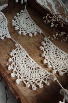 Crochet Crafts, Yarn Crafts, Free Crochet, Knit Crochet, Diy Crochet Projects, Crotchet, Crochet Christmas Decorations, Crochet Decoration, Crochet Home Decor