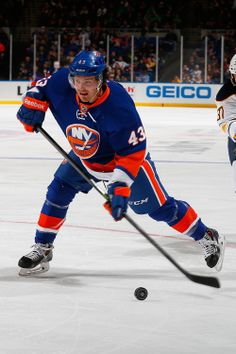 ISLES WIN 4-2 against the Florida Panthers! Mike Halmo scored the fourth goal for the Islanders, his first NHL goal! 4.1.14