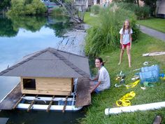 Duck houses on ponds heres a pic of the duck house floating on duckworks magazine the making of duckhouse solutioingenieria Choice Image